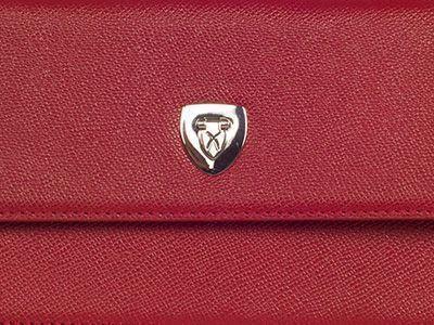 Schloss einer Damentasche mit Corf-Logo