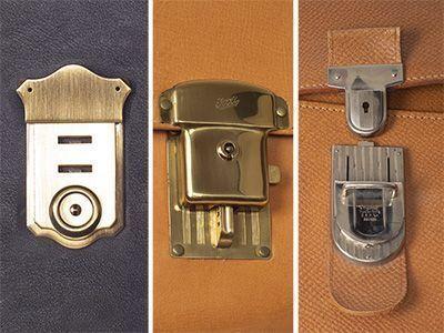 Stufenschlösser haben Unterteile mit mehreren Einsteckmöglichkeiten. Dadurch lässt sich die Position des Überschlags einer Tasche und damit auch ihr Volumen verändern.