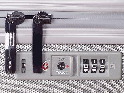 TSA-Schlösser sind eine Weiterentwicklung von Zahlenschlössern, die ein Öffnen und Schließen von Gepäckstücken mit Hilfe eines Generalschlüssels erlauben und so die Kontrolle auch in Abwesenheit des Inhabers ermöglichen.