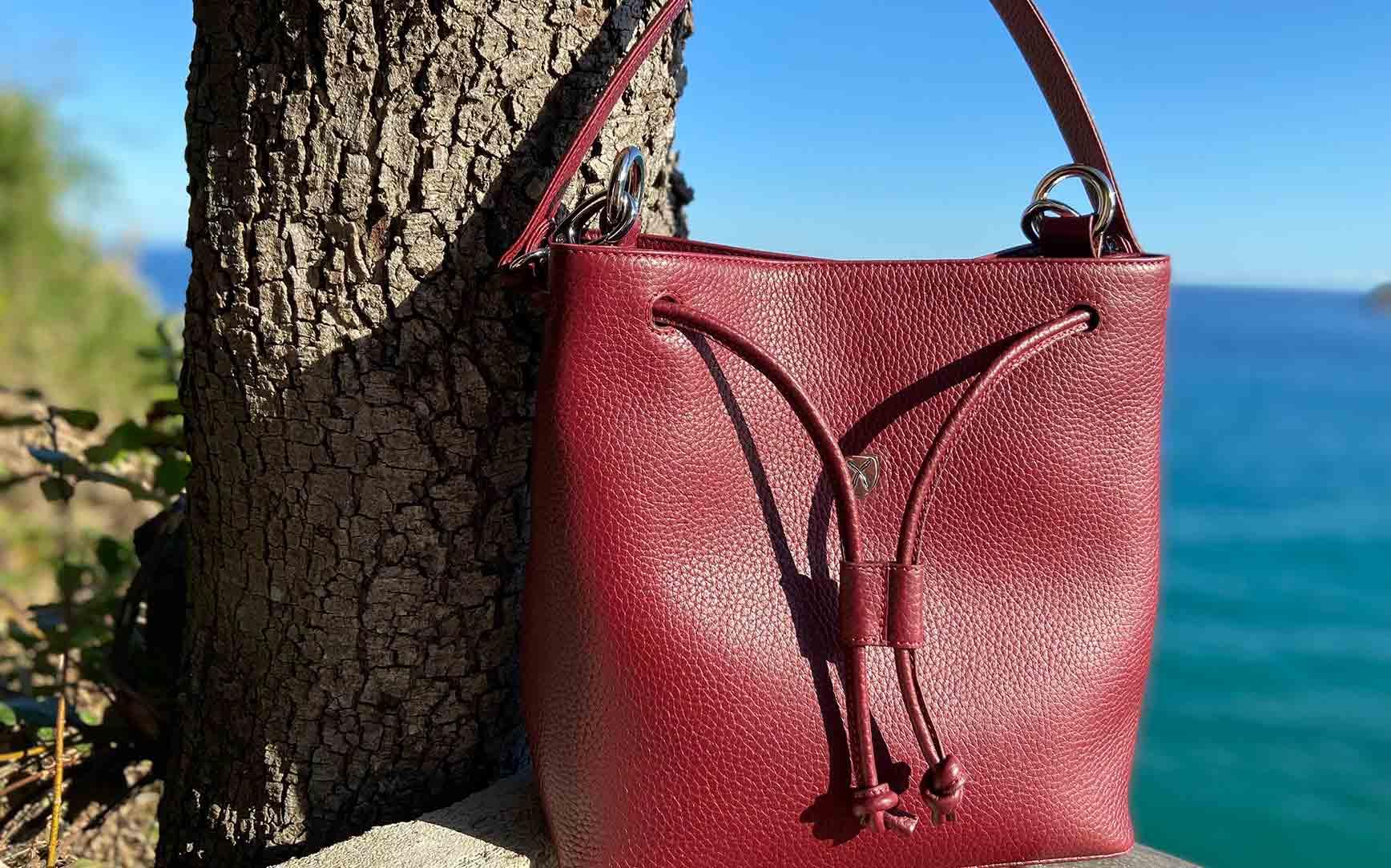 Handbag shoulderbag 10 inch leather bordeaux